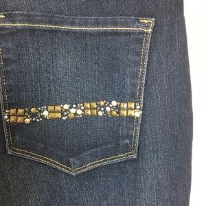 NYDJ Jeans - NYDJ Marilyn Straight Jeans Size 6 Back pocket gem